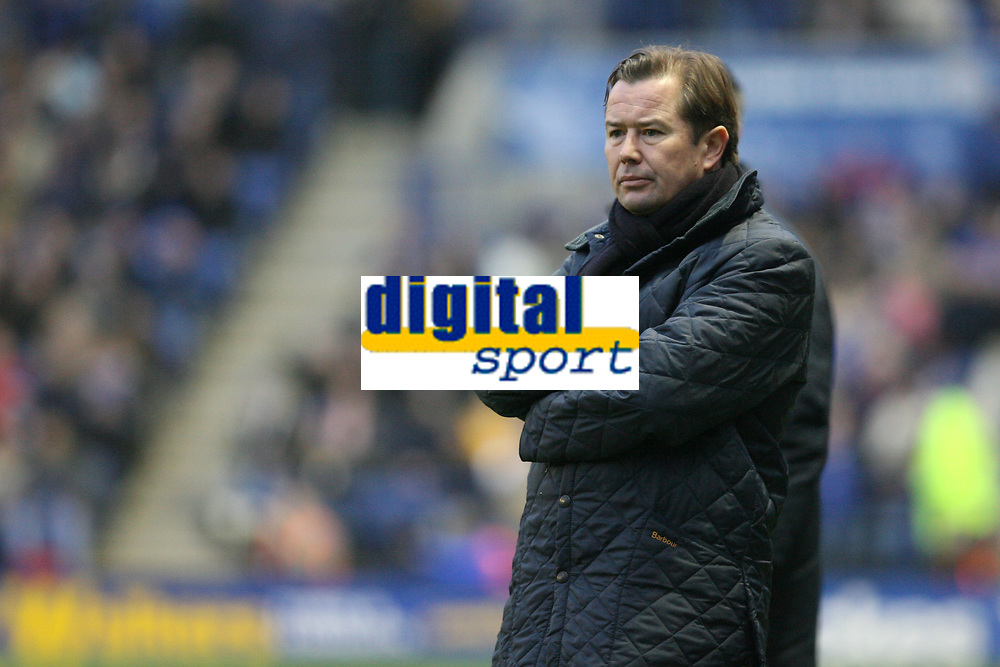 Photo: Pete Lorence.<br />Leicester City v Coventry City. Coca Cola Championship. 17/02/2007.<br />Coventry's caretaker manager, Adrian Heath, watches the match.