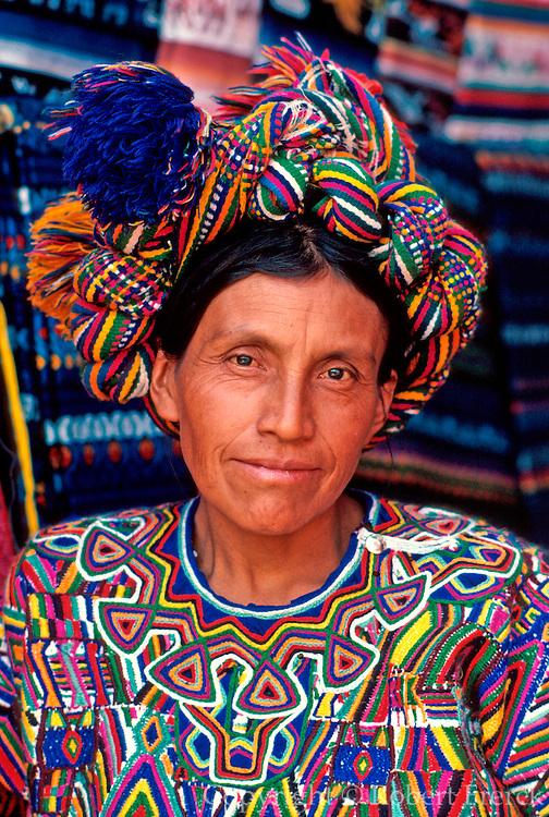 GUATEMALA, ANTIGUA, CRAFTS Nebaj woman weaving trad. textile