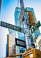 NEW YORK  2020V10<br /> Skyltar i korsningen mellan Broadway och 57:E gatan.<br /> <br /> Foto: Per Danielsson/Projekt.P