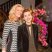 NLD/Amsterdam/20160118 -  Beau Monde Awards 2016, Saskia Noort met dochter Julia