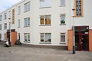 Zuid-Holland, Den Haag - 17 juni 2021: Sociale woningbouw in Duiindorp