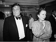 Peter Duchin and Brooke Hayward. Bobby Short book party. Carlisle. 2 October 1995.  © Copyright Photograph by Dafydd Jones 66 Stockwell Park Rd. London SW9 0DA Tel 020 7733 0108 www.dafjones.com