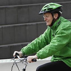 Belgium  - Brussels - 24 March 2010 - EU Sustainable Energy Week 2010 - E-bike race - Janez Potocnik European Commissioner   © EC/CE