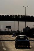 Betim_MG, 05 de Novembro de 2011...Prefeitura de Betim_Obras..Fotos das acoes de melhoria em saude, educacao e infra estrutura na cidade de Betim. Em detalhe a BR 381 na passagem pela cidade...Foto: MARCUS DESIMONI / NITRO