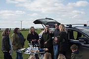 KATIE BLACKWELL; LIZA PHILLIPS; TANYA STREETER; SAM PHILLIPS; CATHERINE CAZALET;, Heythrop Point to Point, Cocklebarrow, 2 April 2017.