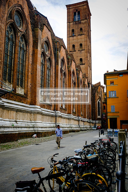 Street scene in Bologna, Italy at the side of the Basilica di San Petronio<br /> <br /> (c) Andrew Wilson | Edinburgh Elite media