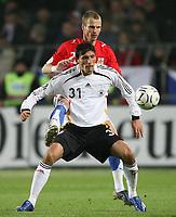 Fotball<br /> 24.03.2007<br /> Tsjekkia v Tyskland<br /> Foto: Witters/Digitalsport<br /> NORWAY ONLY<br /> <br /> v.l. Kevin Kuranyi Deutschland, David Rozehnal<br /> EM-Qualifikation Tschechien - Deutschland