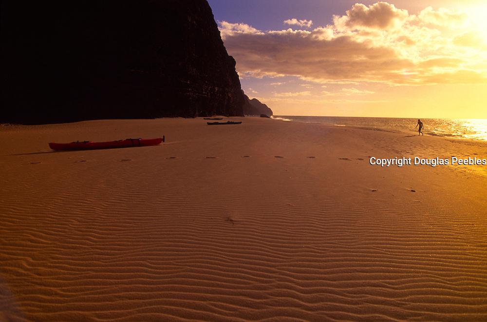 Kalaulau Beach, Napali Coast, Kauai, Hawaii<br />