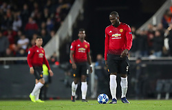 Manchester United's Romelu Lukaku (right) shows his dejection