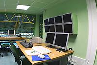 LISBOA-20 OUTUBRO:CONTROL ROOM (sala de controlo) do Est‡dio Alvalade XXI¼ casa da equipa da super liga do Sporting C.P. e que vai albergar o EURO 2004, 20-10-03 19:45 no est‡dio Alvalade XXI.<br />(PHOTO BY: AFCD/NUNO ALEGRIA)