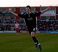 Photo: Jed Wee.<br />Doncaster Rovers v Swansea City. Coca Cola League 1.<br />17/12/2005.<br />Swansea's Sam Ricketts celebrates their equaliser.