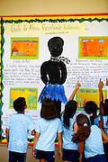 Timoteo_MG, Brasil...A Escola Estadual Capitao Egidio Lima conseguiu refazer seu curriculo, sem ajuda da rede. ..The State School Capitao Egidio Lima. The school values the african-Brazilian culture. ..Foto: LEO DRUMOND / NITRO..