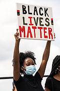 Charleston, United States. 31 May, 2020. Protesters hold signs and chant during a demonstration over the death of George Floyd, along the historic Battery May 31, 2020 in Charleston, South Carolina. Floyd was choked to death by police in Minneapolis resulting in protests sweeping across the nation.  Credit: Richard Ellis/Alamy Live News