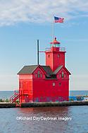 64795-03201 Holland Lighthouse (Big Red) on Lake Michigan Holland, MI