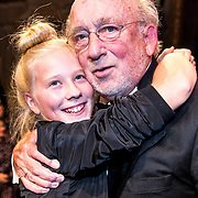 NLD/Amsterdam/20170917 - Gala van het Nederlands Theater 2017, Hans Croiset en kleinkind