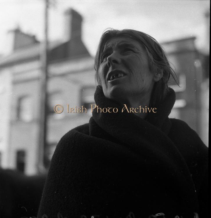 Ballinasloe Horse Fair - .06.10.1952<br /> Traveler, lady, at horse fair,