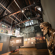 at the Museum of the City of Brussels. The museum is dedicated to the history and folklore of the town of Brussels, its development from its beginnings to today, which it presents through paintings, sculptures, tapistries, engravings, photos and models.