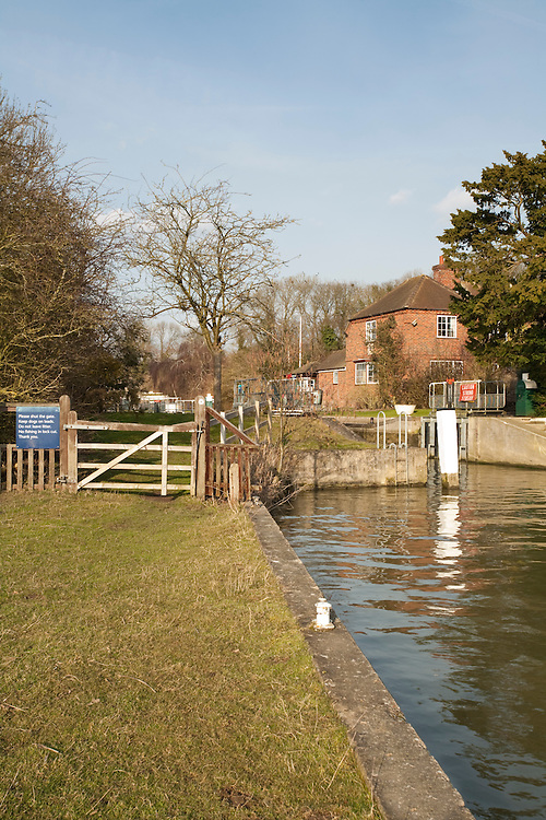 Cleeve Lock on the River Thames near Goring, Oxfordshire, Uk