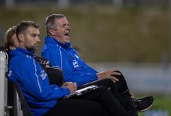 Cheftræner Kent Nielsen (Silkeborg IF) skælder ud under kampen i 1. Division mellem FC Helsingør og Silkeborg IF den 11. september 2020 på Helsingør Stadion (Foto: Claus Birch).