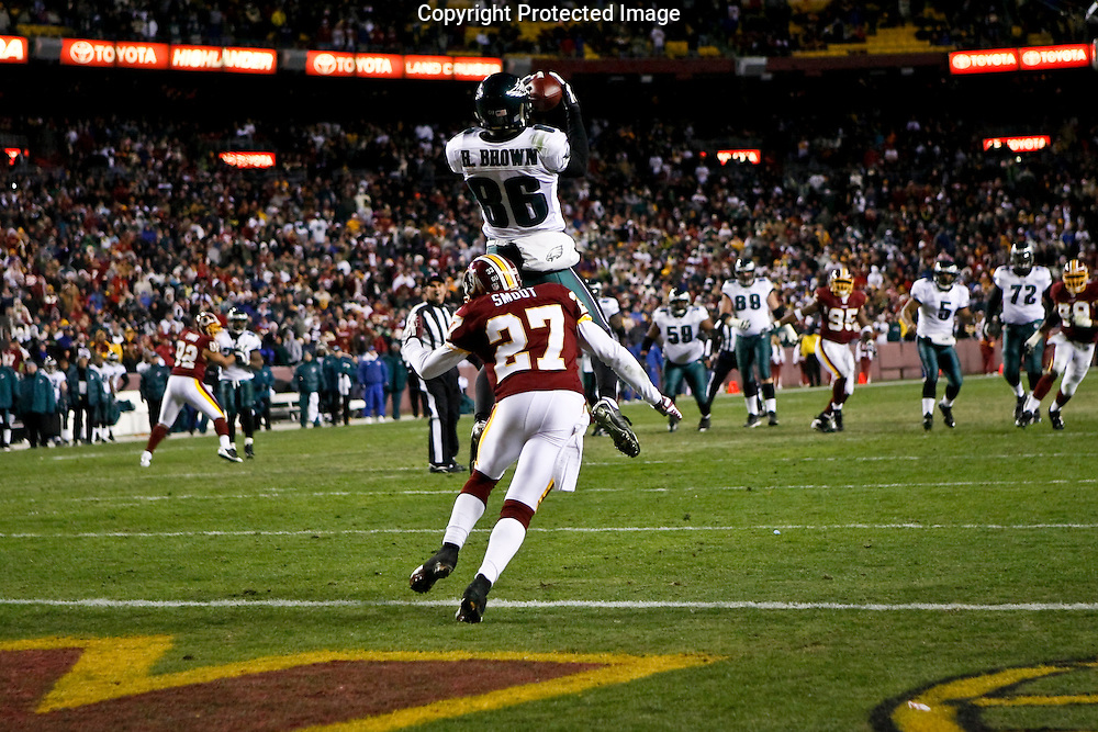 21 Dec 2008: Philadelphia Eagles wide receiver Reggie Brown #86 catches a pass during the last play of the game against the Washington Redskins on December 21st, 2008. The pass was completed but the ball did not cross into the endzone. The Redskins beat the Eagles 10-3 at FedEx Field in Landover, Maryland.