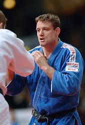 27-05-2006 JUDO: EUROPEES KAMPIOENSCHAP: TAMPERE FINLAND<br /> Mark Huizinga wint zijn tweede partij van de fransman Frederic Demontfaucon<br /> ©2006-WWW.FOTOHOOGENDOORN.NL