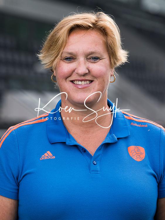 AMSTELVEEN - Teamarts Conny van Bentum. . Nederlands team hockey heren voor de Champions Trophy in Breda.  COPYRIGHT  KOEN SUYK
