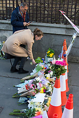 2017-03-23 People lay flowers for terror victims on Westminster Bridge, London