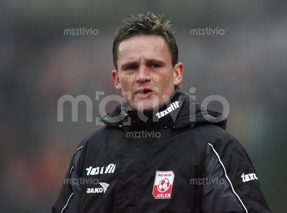 Erfurt , 100207 , Fussball Regionalliga Nord FC Rot Weiss Erfurt - LR Ahlen  Trainer Heiko BONAN (Ahlen)