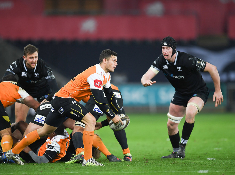 Cheetahs' Shaun Venter in action today<br /> <br /> Photographer Mike Jones/Replay Images<br /> <br /> Guinness PRO14 Round Round 16 - Ospreys v Cheetahs - Saturday 24th February 2018 - Liberty Stadium - Swansea<br /> <br /> World Copyright © Replay Images . All rights reserved. info@replayimages.co.uk - http://replayimages.co.uk