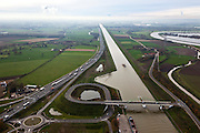 Nederland, Limburg, Gemeente Maasgouw, 15-11-2010; brug over het Julianaknaal tussen Echt en Ohe & Laak, gezien naar het zuiden. Rechts de Maas, links de A2. (Grensmaas).luchtfoto (toeslag), aerial photo (additional fee required).foto/photo Siebe Swart