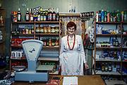 28.11.2018. Wólka Różańska , Halina Osiak - włascicielka sklepu.<br /> Fot. Adam Tuchlinski dla Newsweek Polska