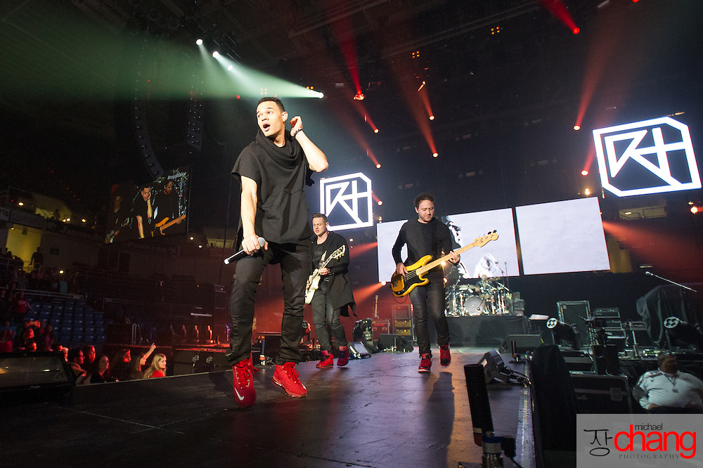 MOBILE, AL  - FEBRUARY 7: Royal Tailor performs during The Road Show Tour on February 7, 2014 in Mobile, Alabama.    (Photo by Michael Chang)