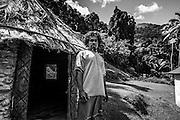 NOUVELLE CALEDONIE, HIENGHENE, Tribu de Cavatch - Kaavac -Portrait de Jean-Michel Daiju PEI -  Aire Coutumiere de Hoot Ma Waap - Aout 2013
