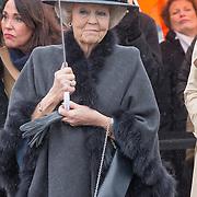 NLD/Den Haag/20170208 - Prinses Beatrix aanwezig bij onthulling beeld naamgever Madurodam, Prinses Beatrix