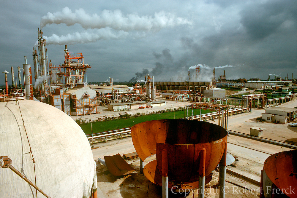 MEXICO, INDUSTRY, PETROLEUM Petrochemicals, storage tanks in Minatitlan, Yucatan State on the Gulf of Mexico