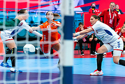 Larissa Nusser of Netherlands in action during the Women's EHF Euro 2020 match between Netherlands and Serbia at Sydbank Arena on december 05, 2020 in Kolding, Denmark (Photo by RHF Agency/Ronald Hoogendoorn)