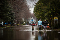On April 21st, 2017, the Ottawa and Gatineau rivers started overflowing into the streets of Gatineau. Boulevard Hurtubise was one of the most affected streets, even though people were trying to get on with their lives.