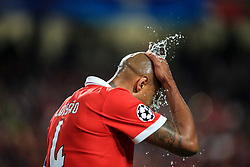 18 October 2017 -  UEFA Champions League - (Group A) - SL Benfica v Manchester United - Luisao of Benfica splashes his head with water - Photo: Marc Atkins/Offside