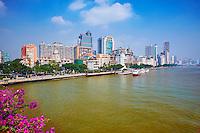 Chine, Guangdong, Guangzhou ou Canton, centre ville pret de l'embarquadaire Xidi, riviere des perles ou Zhu Jiang // China, Guangdong province, Guangzhou or Canton, city center, the pearl river or Zhujiang river