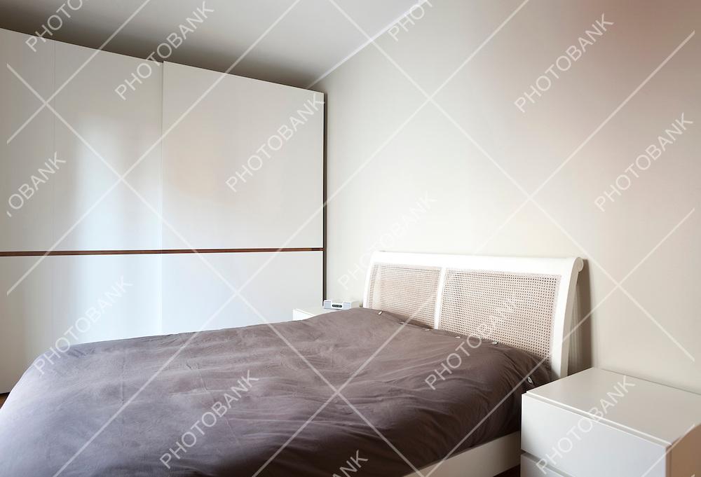 modern apartment, minimal bedroom