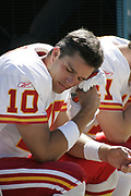 Kansas City Chiefs quarterback Trent Green tries to cool off on the bench during the Jacksonville Jaguars 22-16 victory over the Chiefs on October 17, 2004 at Alltel Stadium in Jacksonville, FL.