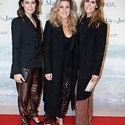 NLD/Amsterdam/20191217 - Premiere April, May en June, Merel Westrik met haar zusjes