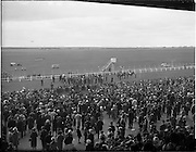 30/06/1962 <br /> 06/30/1962<br /> 30 June 1962<br /> Irish Sweeps Derby at the Curragh Racecourse, Co. Kildare. general view of the reserved enclosure for the Derby as the jockeys mount up. The horses were shown and mounted on the course.