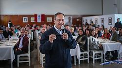 """O candidato a governador do Estado, Vieira da Cunha durante lançamento do comitê """"O Rio Grande Merece Mais"""", em Farroupilha. FOTO: Jefferson Bernardes/ Agência Preview"""