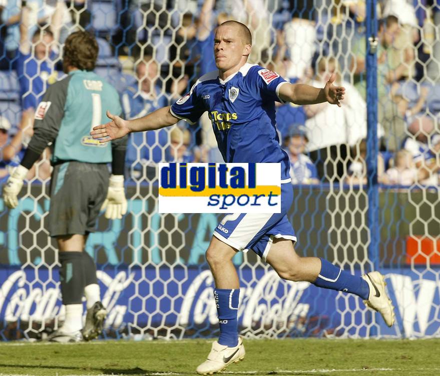 Photo: Aidan Ellis.<br /> Leicester City v Queens Park Rangers. Coca Cola Championship. 15/09/2007.<br /> Leicester's Iain Hume celebrates scoring from the penalty spot