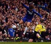 Photo: Alan Crowhurst.<br />Chelsea v Manchester City. The Barclays Premiership. 25/03/2006. Chelsea's Hernan Crespo goes close.