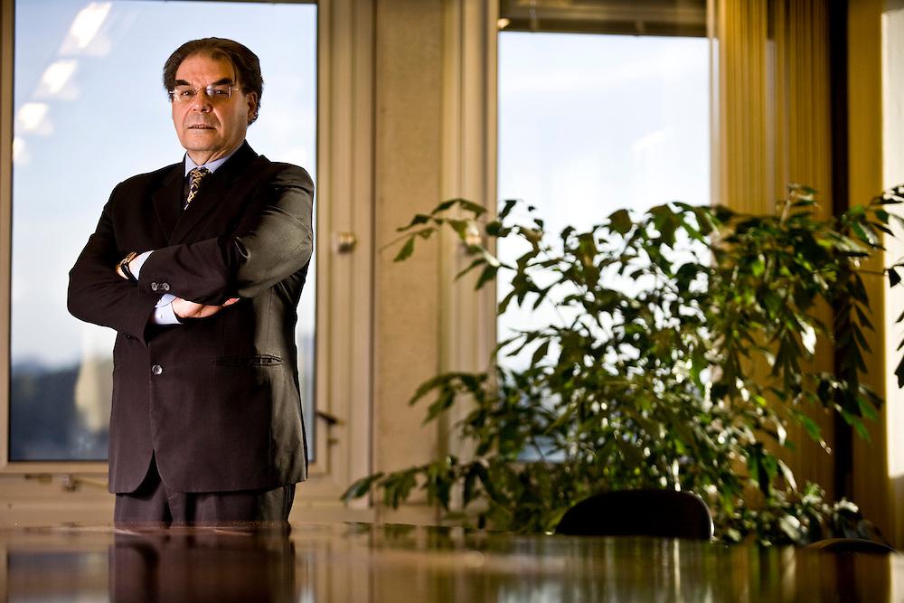 Belo Horizonte_MG, Brasil...Retrato de Luiz Fernando Rolla, diretor de financas da CEMIG...The Luiz Fernando Rolla portrait, He is the CEMIG  finance director...Foto: JOAO MARCOS ROSA / NITRO