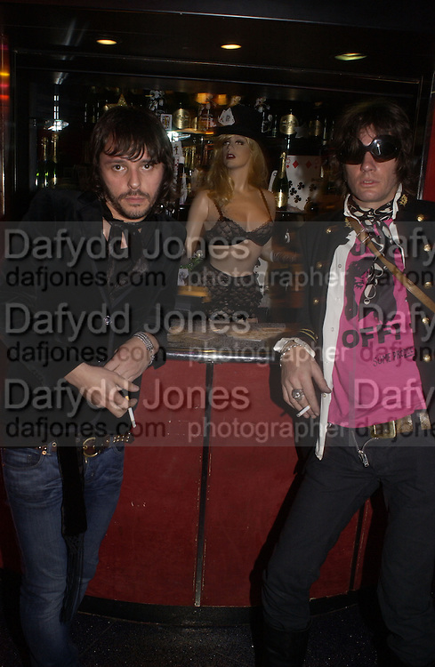 Matt Wardle and Wildcat Will. Agent Provocateur: Dirty Stop Out -  web site launch party. Too 2 Much, 11-12 Walkers Court, London, W1, 13 September 2005. ONE TIME USE ONLY - DO NOT ARCHIVE  © Copyright Photograph by Dafydd Jones 66 Stockwell Park Rd. London SW9 0DA Tel 020 7733 0108 www.dafjones.com