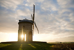 © Licensed to London News Pictures. 09/01/2019. Chesterton, Warwickshire, UK. The sun rises at Chesterton Windmill on a cold frosty morning in Warwickshire, UK. Photo credit: LNP