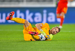 HELSINKI, FINLAND - Thursday, September 3, 2020: Finland's goalkeeper Lukáš Hrádecký during the UEFA Nations League Group Stage League B Group 4 match between Finland and Wales at the Helsingin Olympiastadion. (Pic by Jussi Eskola/Propaganda)